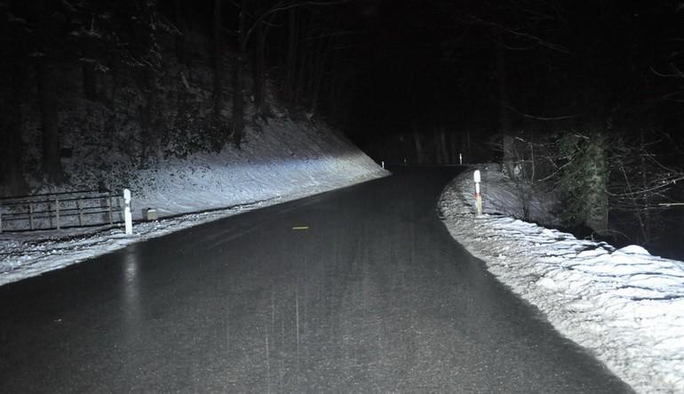 Luminosité avec des phares de voitures